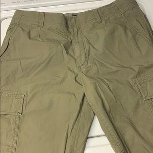 4 for $22! Banana Republic cargo shorts